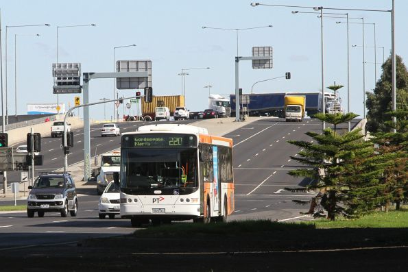 Transdev bus #425 7825AO on route 220 citybound along Footscray Road