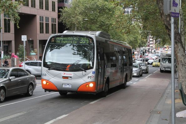 Transdev bus #658 7281AO on route 304 at Lonsdale and William Street