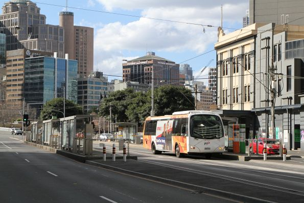 Transdev bus #598 6862AO on route 234 at Queens Bridge