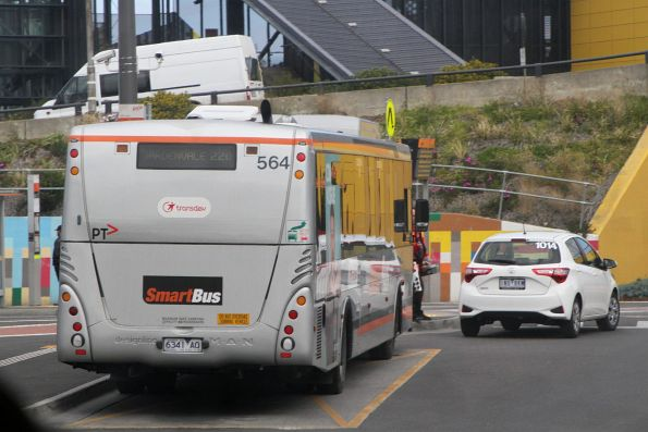 Smartbus liveried Transdev bus #564 6341AO on route 220 at Sunshine station