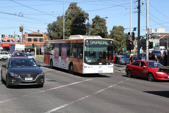 Transdev bus #396 5296AO heads north minus passengers at Kings Way and Sturt Street