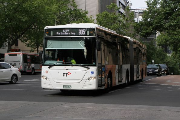 Transdev articulated bus #117 BS00TA on route 905 at William and Lonsdale Street
