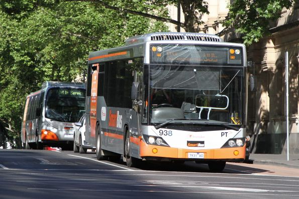 Transdev bus #938 7931AO on route 905 at Lonsdale and William Street