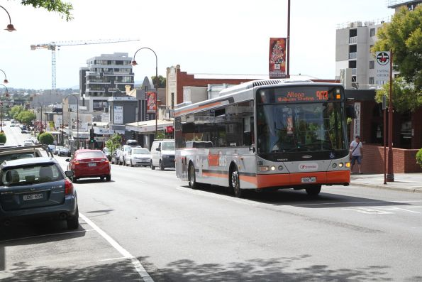 Transdev bus #8386 7682AO on route 903 arrives at Heidelberg station