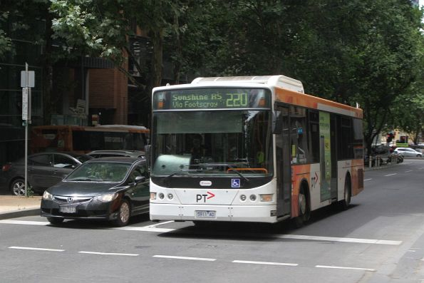 Transdev bus 5911AO on route 220 at Queen and Collins Street