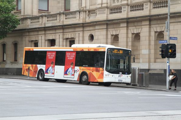 Transdev bus #996 9102AO on route 304 at Lonsdale and William Street