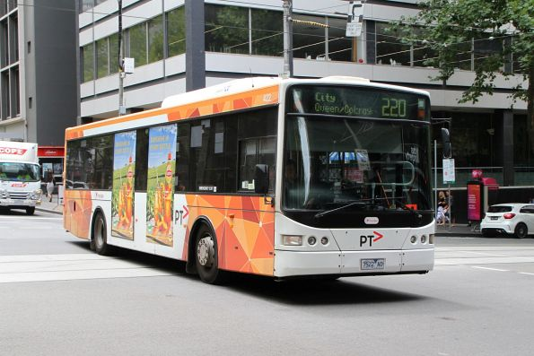 Transdev bus #422 7522AO on route 220 at Queen and Bourke Street