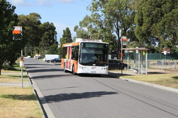 Transdev Melbourne bus #401 5901AO on route 219 in Sunshine South