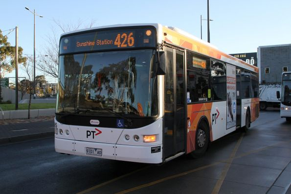 Transdev bus #995 9101AO on route 426 at Sunshine station