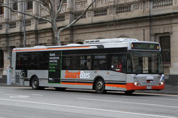 Transdev bus #704 1761AO heads west on route 907 at Lonsdale and William Street
