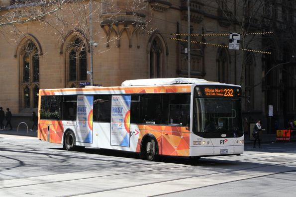Transdev bus #996 9102AO on route 232 at Queen and Collins Street