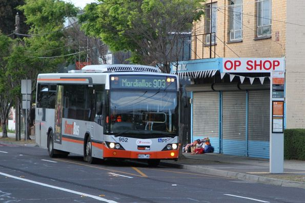 Transdev bus #952 8031AO on route 903 along Hampshire Road, Sunshine