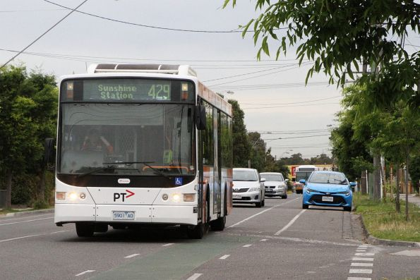 Transdev bus #401 5901AO on route 429 heads along Hampshire Road bound for Sunshine station