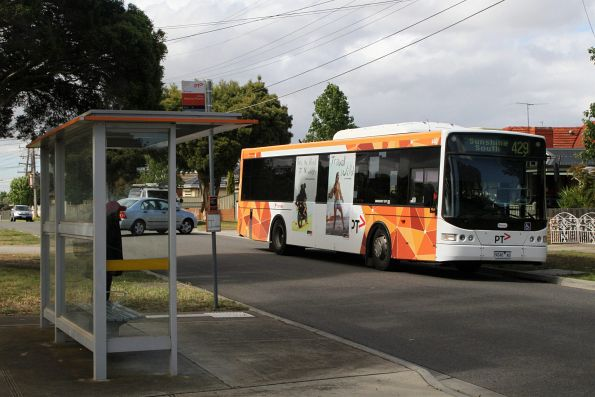Transdev bus #440 9040AO on route 429 in Sunshine South