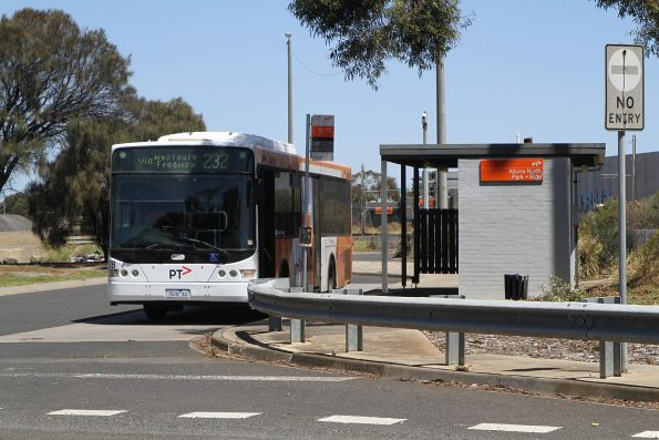 Transdev bus #428 7828AO at the route 232 terminus off Millers Road, Altona North