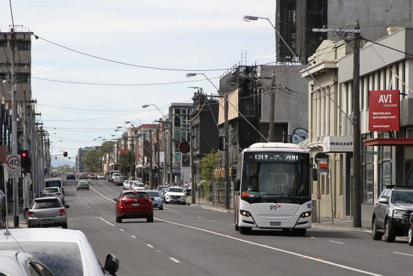 Transdev bus BS05CB on route 200 along Johnston Street, Fitzroy