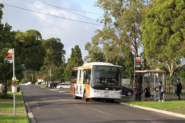 Transdev bus 7824AO on route 429 in Sunshine South