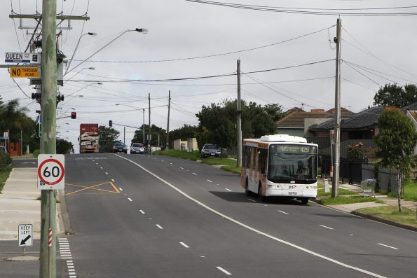 Transdev bus 9041AO on route 429 along Wright Street, Sunshine South