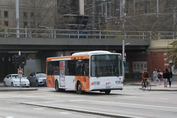 Transdev bus #379 4083AO on route 234 over Queens Bridge