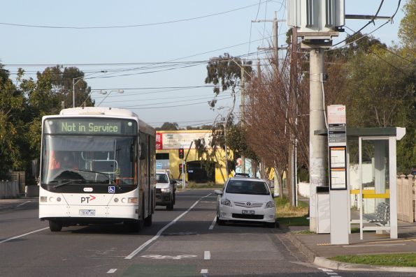 Transdev bus #430 7830AO out of service along Hampshire Road, Sunshine
