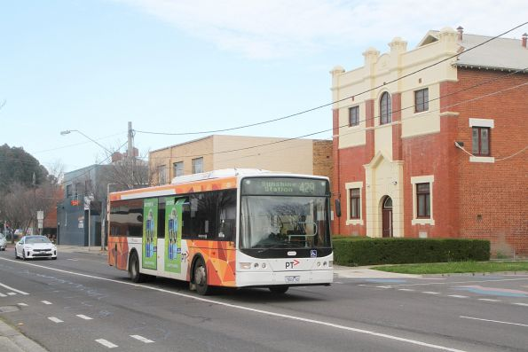 Transdev bus #424 7824AO on route 429 along Hampshire Road, Sunshine