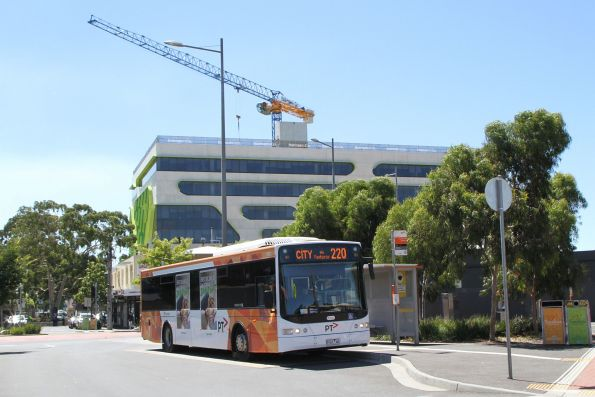Transdev bus #995 9101AO on route 220 at Sunshine station