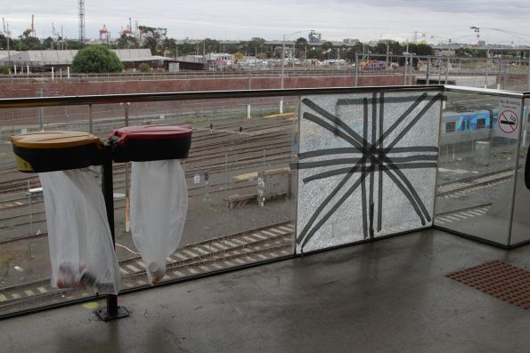 Glass balustrade at North Melbourne station is still broken, a few months after I first photographed it