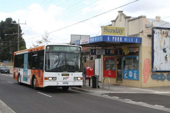 Ventura bus #17 2817AO on route 527 in Coburg