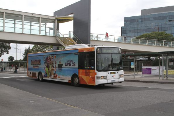 Ventura bus #114 4763AO on route 813 at Dandenong station