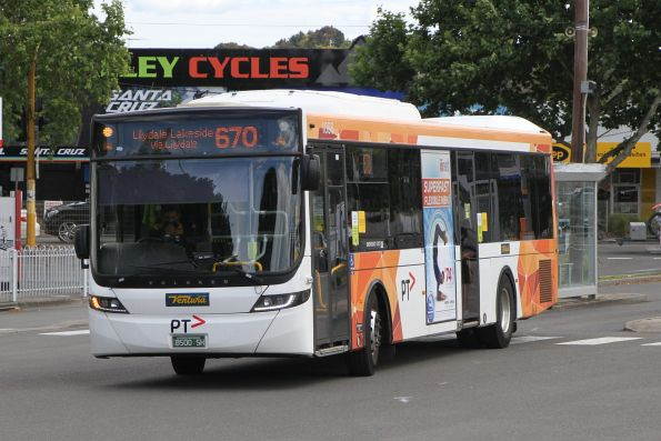 Ventura bus #1056 BS00SH 2627AO on route 670 at Lilydale station