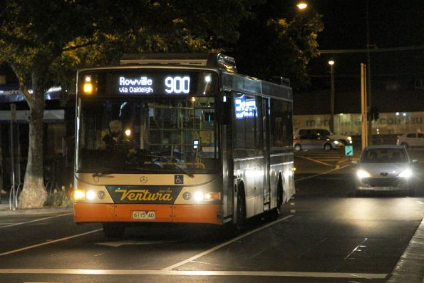 Ventura bus #8229 6115AO on route 900 arrives at Oakleigh station