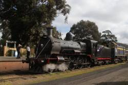 With the driver experience train running into difficulty at Castlemaine, Y133 is added to the train at Maldon to rescue it