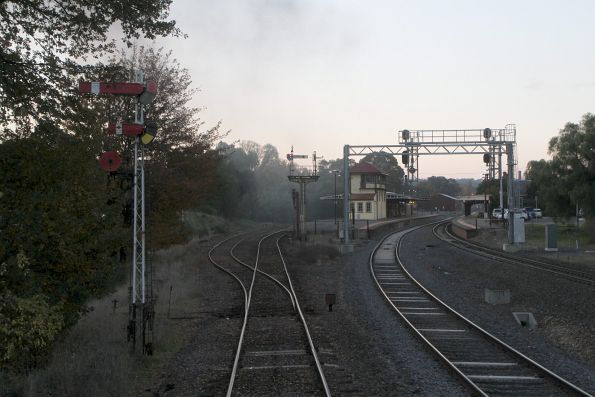 Up end of the station at Castlemaine