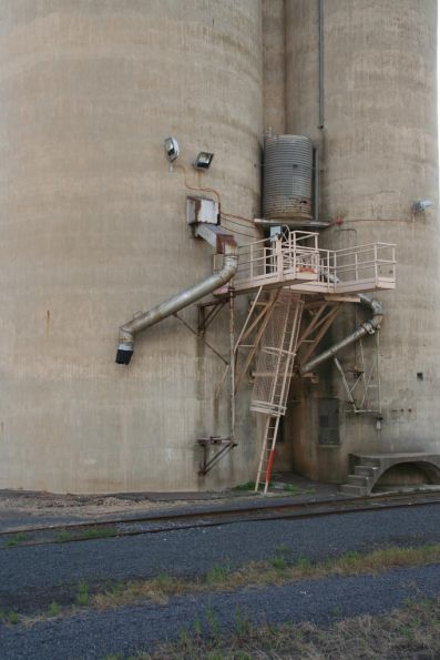 Westmere: discharge chutes from the Geelong type concrete silo