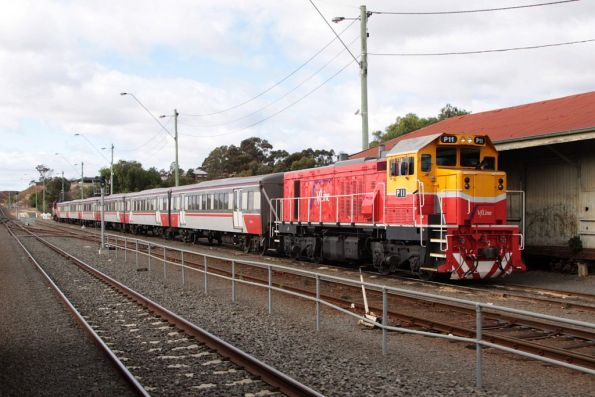 P11 stabled at Bacchus Marsh for the weekend on a push-pull set