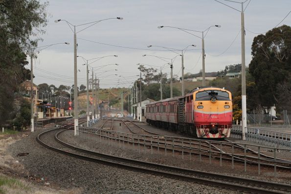 A66 shunts back into the yard at Bacchus Marsh