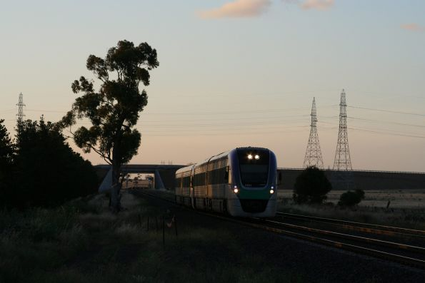 VLocity VL31 and classmate lead an up train under the Deer Park Bypass
