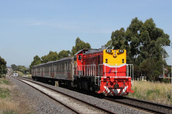 P11 runs solo with a FSH set on a down Bacchus Marsh service at Ardeer