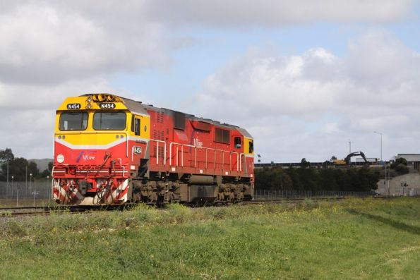 N454 headed to Bacchus Marsh to bring back the failed P class loco and SH set