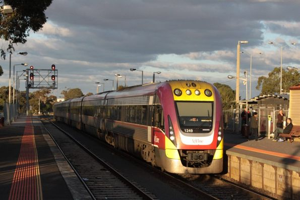 3VL49 and classmate arrives into Melton on the down