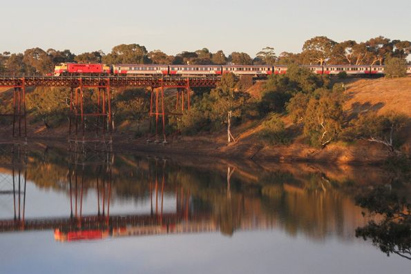 A66 crosses the Melton Weir on an up Bacchus Marsh service