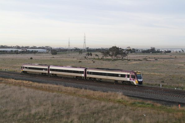 VLocity VL09 approaches Caroline Springs station on the down