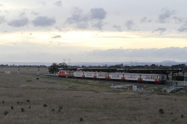 A66 pauses at Caroline Springs station on the down