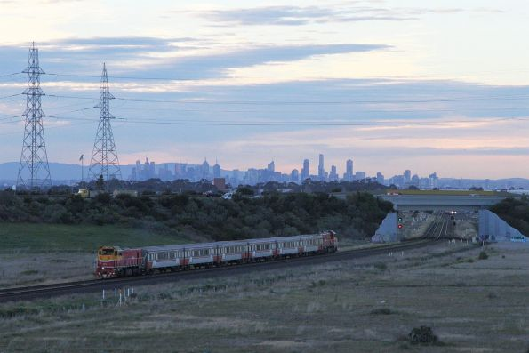 P17 leads P12 towards the city at Caroline Springs