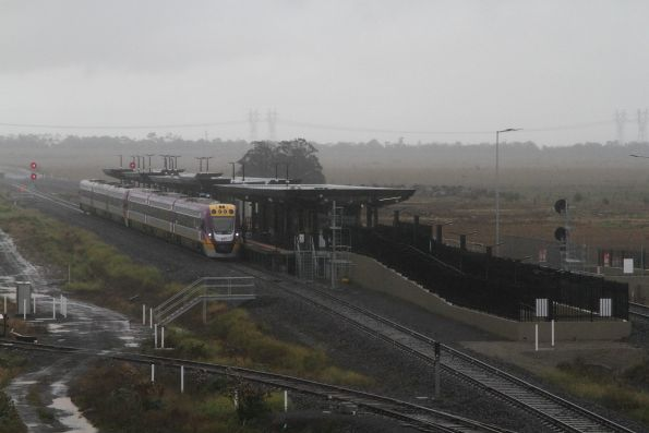 VLocity VL75 and classmate terminate at Caroline Springs station due to track work towards Ballarat