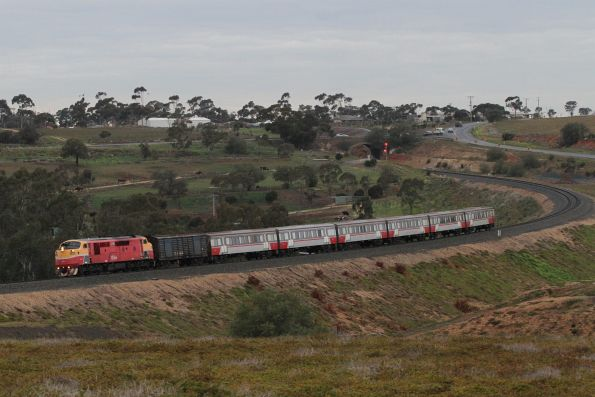 A66 heads through the Parwan curves on a down Bacchus Marsh service