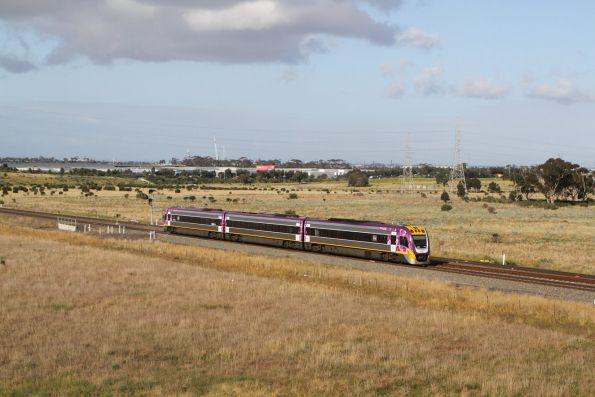 VLocity VL27 on the up at Caroline Springs