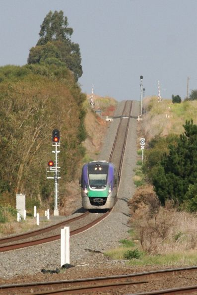 VLocity VL21 drops down the grade towards Warrenheip, bound for Ballarat