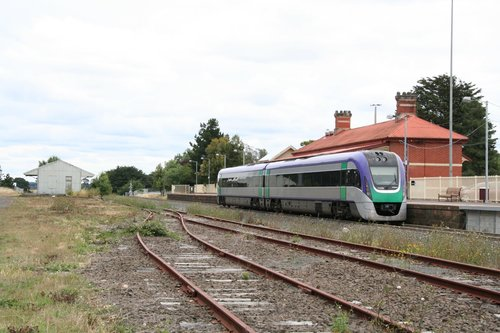 VLocity VL09 pauses for passengers on a down service at Ballan station