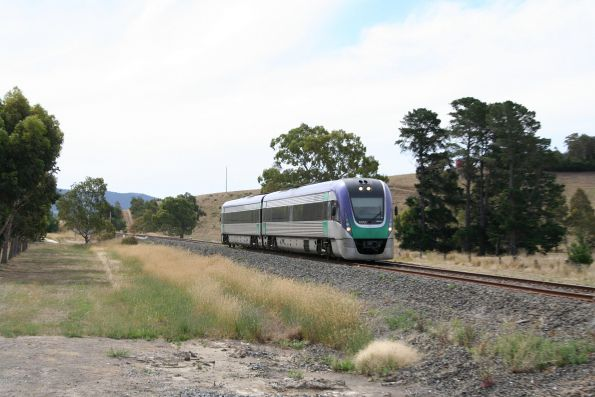 VLocity VL11 departs Ararat on the up